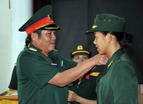 Hình ảnh Ánh Viên khi được thăng hàm đại úy