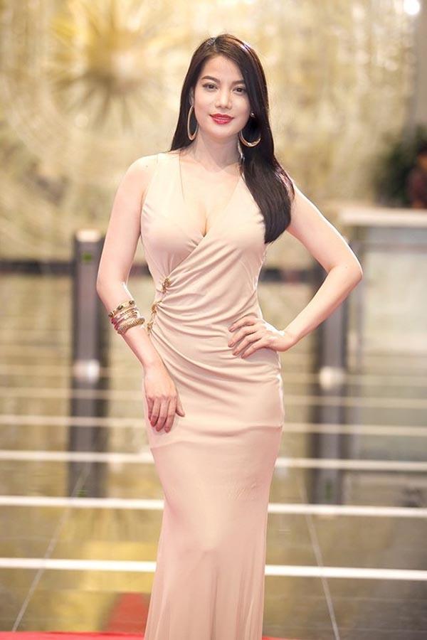 Hiện tại, dù bước sang tuổi 39, song Trương Ngọc Ánh vẫn nổi bật, trẻ trung ngang ngửa đàn em trong làng giải trí.