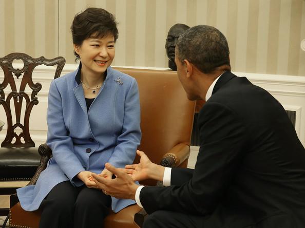 Tổng thống Mỹ Barack Obama tiếp bà Park Geun Hye tại Nhà Trắng.