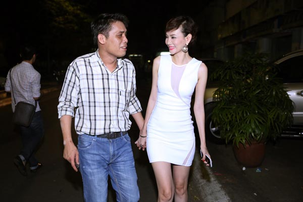 Mới đây, Dương Yến Ngọc hé lộ chuyện đã ly hôn với Trần Thông và tung bằng chứng tố chồng cũ hành hạ, đánh đập mình trong lúc còn ở chung nhà.