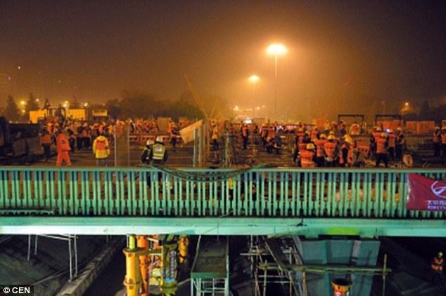Việc xây dựng lại cây cầu tốn khoảng 39 triệu nhân dân tệ tương đường 6,1 triệu đô la Mỹ.