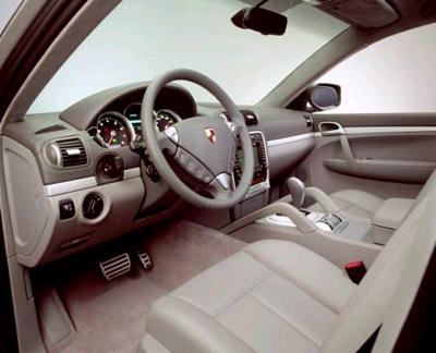 Nội thất sang trọng của Porsche Cayenne S.