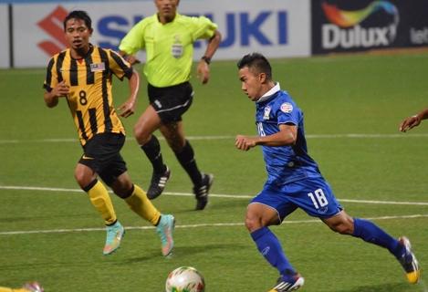 Thái Lan phải chia sức ở cả 2 đấu trường cùng lúc