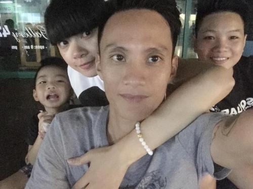 Gia đình hạnh phúc nhà Hạ Vy