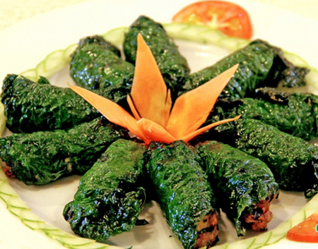 Lá lốt là loại rau quen thuộc và được dùng phổ biến trong các bữa ăn.
