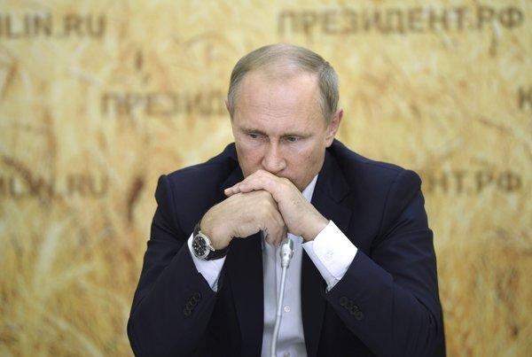 Tổng thống Nga Vladimir Putin đã gửi lời chia buồn tới gia đình của 224 nạn nhân thiệt mạng trong vụ tai nạn máy bay 7K9268.