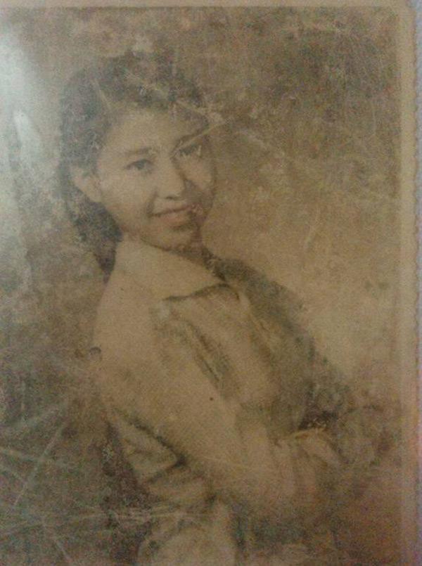 Còn đây là bức ảnh của bà nội thành viên Bạc Hà chụp cách đây 65 năm về trước.