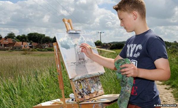 Tính đến nay, Kieron đã kiếm được hơn 2 triệu bảng Anh (gần 73 tỉ đồng) từ việc vẽ tranh.