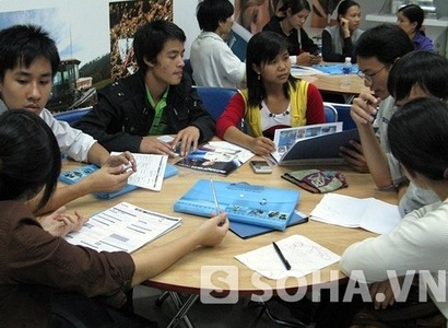 Lao vào các công ty kinh doanh đa cấp bất chính, nhiều người bị thiệt hại nặng nề. (Ảnh: Long Nguyễn)