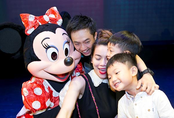 Đầu tháng 10 vừa qua, Hồ Ngọc Hà và Cường Đô la gây chú ý khi đưa con trai đi xem Lễ hội âm nhạc của Mickey tại Việt Nam.