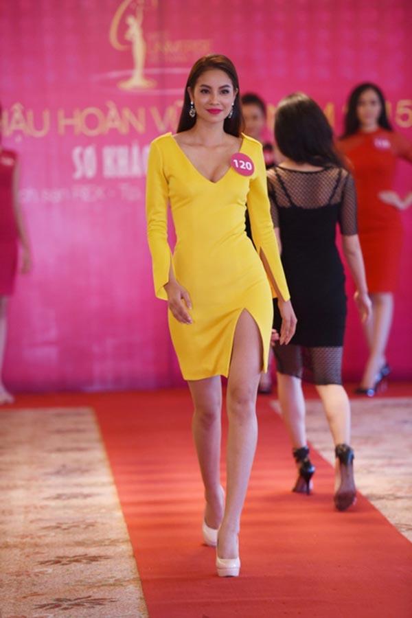 Khi Hoa hậu Hoàn vũ Việt Nam mùa 2 khởi động, Phạm Thị Hương tiếp tục chinh chiến và góp mặt trong Top 35 khu vực phía Nam.