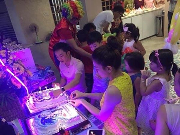 Đến sinh nhật Subeo vào tháng 6/2015, Cường Đô la và Hồ Ngọc Hà tái hợp để mừng tuổi mới con trai.