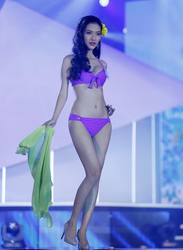 Được đánh giá cao bởi ngoại hình cuốn hút cùng 1m72, song Mỹ Linh đã xin rút khỏi cuộc thi giữa chừng vì áp lực dư luận cùng tin đồn phẫu thuật thẩm mỹ.