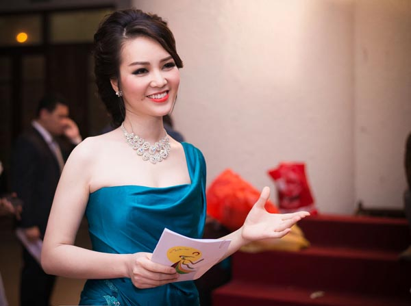 Sau khi gây chú ý ở cuộc thi nhan sắc lớn nhất Việt Nam, Thụy Vân trở thành 1 MC đắt show ở Hà Nội nhờ ngoại hình xinh đẹp cùng cách dẫn dắt duyên dáng, chuyên nghiệp.