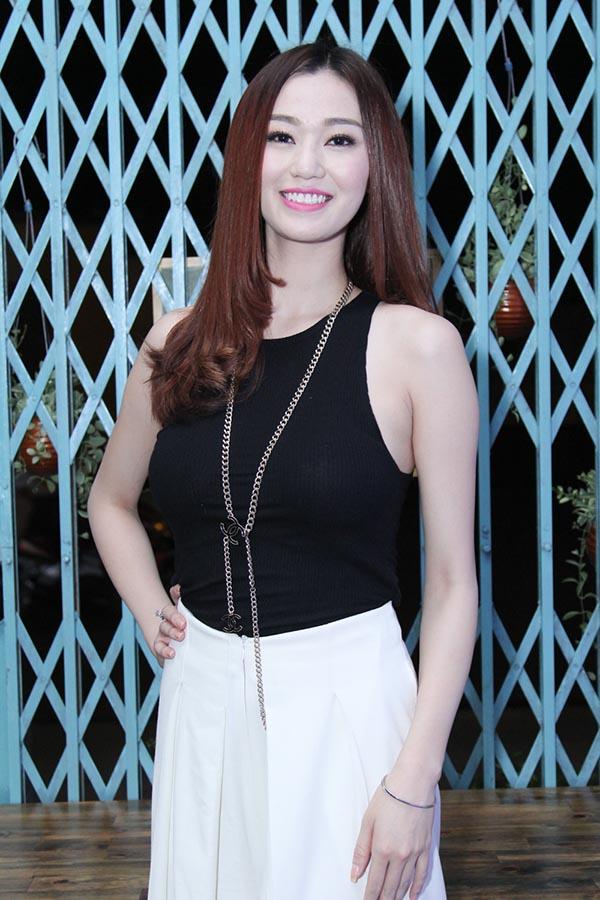 Sắp tới, ngoài điện ảnh, Khánh My còn dự định lấn sân sang ca hát để thử sức bản thân.