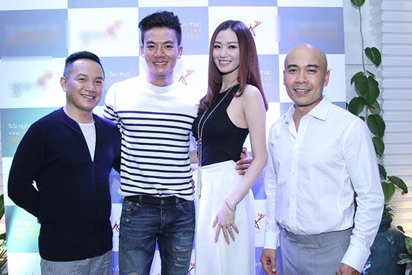 Tối 07/07, diễn viên, người mẫu Khánh My cùng 1 vài đồng nghiệp thân thiết đã rủ nhau đi ăn những món do chính tay Vua đầu bếp Ngô Thanh Hòa thực hiện.