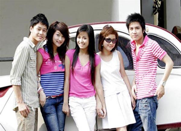 Năm 2007, bộ phim truyền hình tương tác Nhật ký Vàng Anh 2 ra mắt và giúp nhiều gương mặt trẻ trở thành hiện tượng được quan tâm chú ý.
