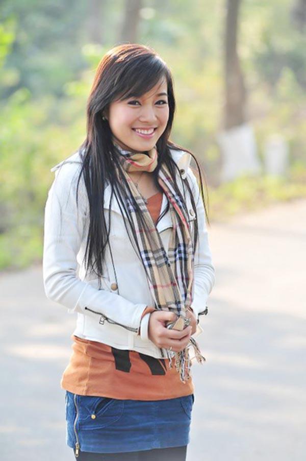 Minh Hương từng là hiện tượng khi thủ vai chính series Nhật ký Vàng Anh 1. Bên cạnh sự nổi tiếng, cô còn là người khá kín tiếng trong chuyện tình cảm.