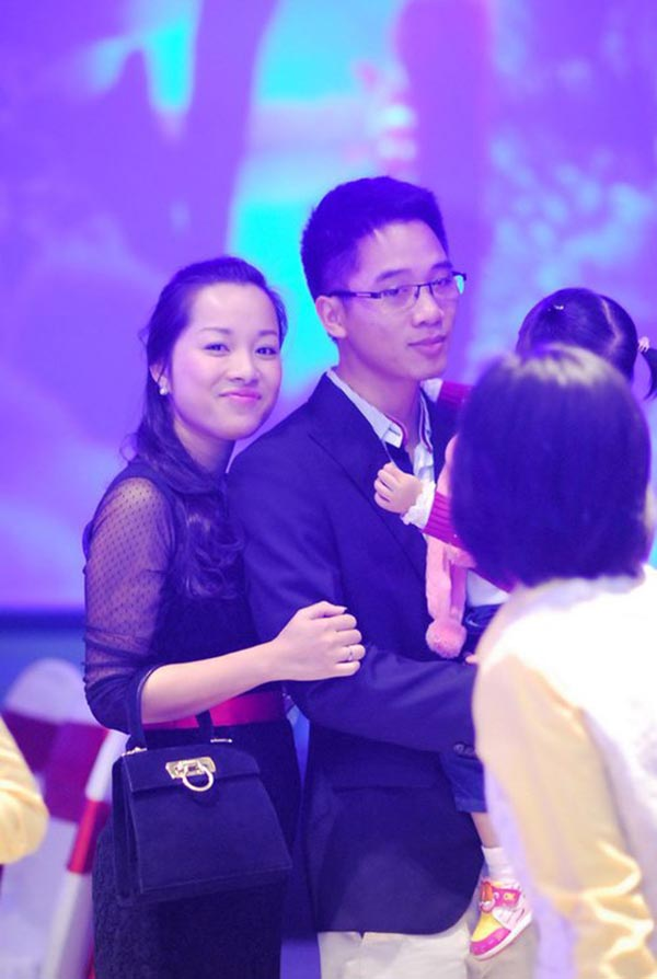 Hiện tại, Minh Hương tiếp tục duy trì công việc diễn xuất song song với vai trò MC, BTV ANTV. Cô còn cùng chồng và những người bạn mở thêm 1 nhà hàng hải sản để kinh doanh thêm tại Hà Nội.