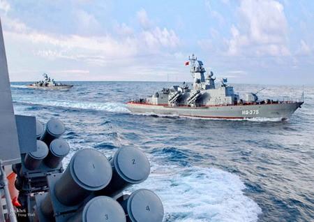 Tàu Molniya có thể mang tới 16 đạn tên lửa Kh-35E tầm bắn 130km, đủ sức tiêu diệt cả nhóm tàu lớn của đối phương