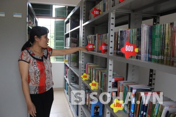 Thư viện Trường THCS Cửu Long còn thiếu nhiều đầu sách hay.