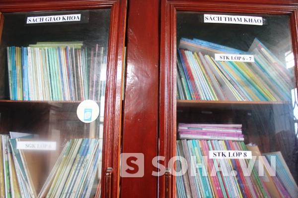 Trường THCS Khiếu Năng Tĩnh thiếu thư viện, số sách chỉ khoảng 3000 cuốn.
