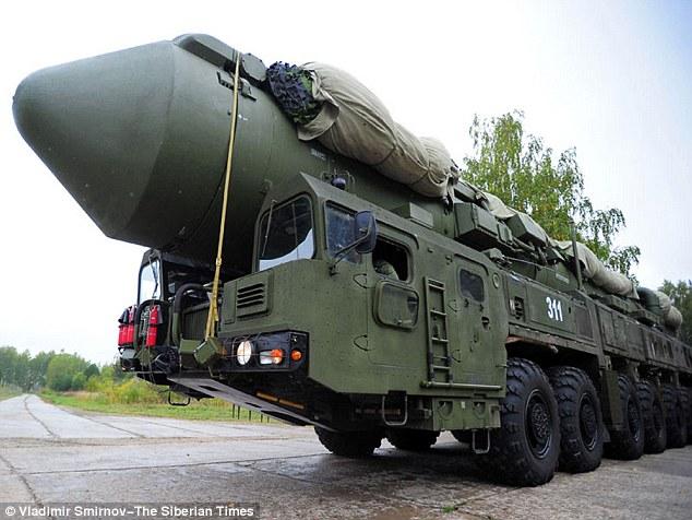 Tên lửa Topol RS-12M của Nga.