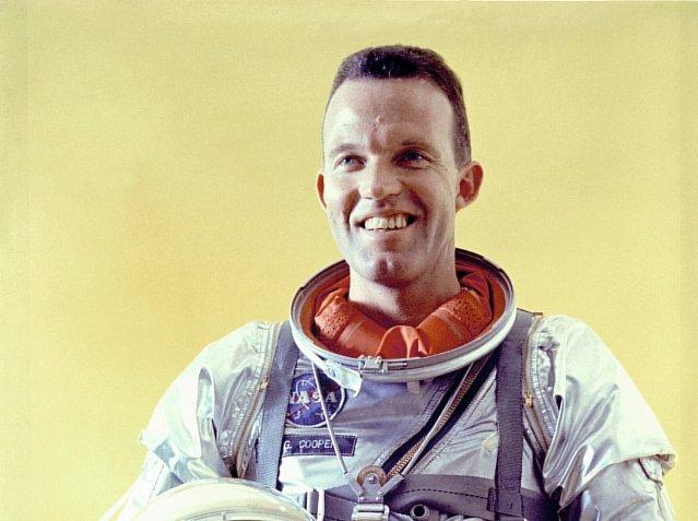 . Gordon Cooper, cựu phi hành gia NASA