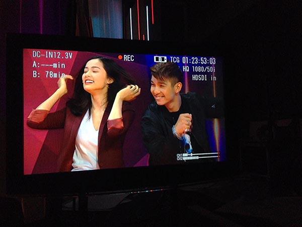 Khoảnh khắc Phạm Hạ Vi xinh đẹp, nổi bật bên Cường Seven được hot girl sinh năm 1993 chia sẻ trên trang cá nhân.