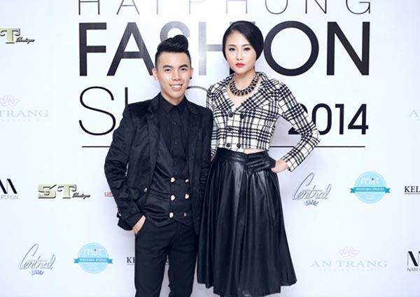 Hình ảnh Kenbi Khánh Phạm chụp chung với Mai Giang - Quán quân Vietnams Next Top Model 2012.