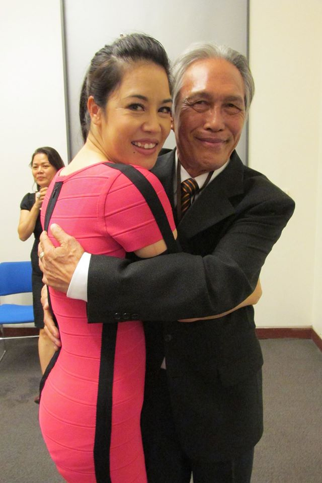 Nhà báo Hoàng Đoan và vợ chồng ca sĩ Thu Phương có mối quan hệ rất thân thiết.