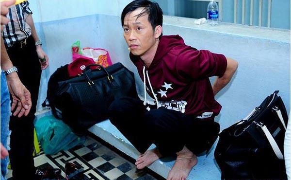 Hoài Linh cũng già đi trông thấy khi so sánh ngoại hình với những đồng nghiệp cùng tuổi (sinh năm 1969) như: Lý Hùng, Quyền Linh...