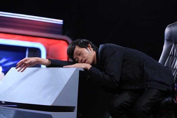 Hiện tại, anh đang đảm nhận vai trò giám khảo của hàng loạt những gameshow nổi tiếng và việc ghi hình liên tục khiến cho Hoài Linh không có nhiều thời gian để nghỉ ngơi.