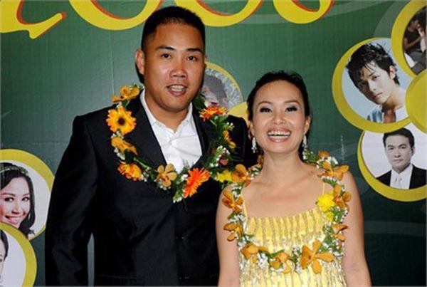 Giúp Cẩm Ly xây dựng được thương hiệu riêng, nhận hàng loạt giải thưởng âm nhạc lớn từ năm 2000, sức thành công của Minh Vy và bạn gái được đồng nghiệp trong nghề ngưỡng mộ, đánh giá cao.