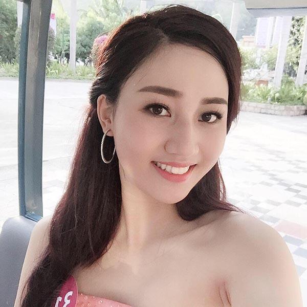 Đến khi Hoa hậu Hoàn Vũ Việt Nam 2015 chuẩn bị chốt danh sách sơ tuyển khu vực phía Bắc, Ngô Trà My mới quyết định ghi danh sau lời động viên thử sức của một người bạn thân.