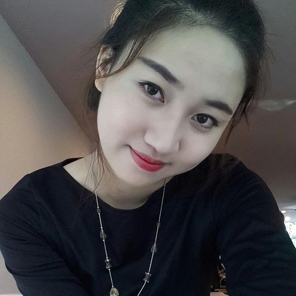 Thời còn ngồi ghế nhà trường, Ngô Trà My không nghĩ đến chuyện sẽ tham gia các cuộc thi nhan sắc dù cô cao tới hơn 1m75.