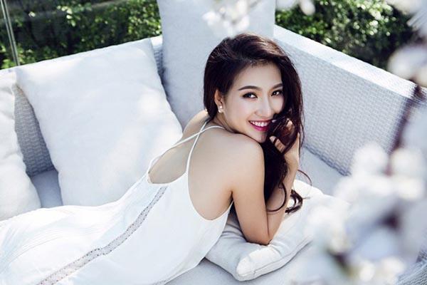 Phạm Mỹ Linh (biệt danh: Linh Sunny) từng là một hot girl đình đám ở khu vực phía Bắc. Cô sở hữu chiều cao 1m72, nụ cười rạng rỡ và vóc dáng gợi cảm.