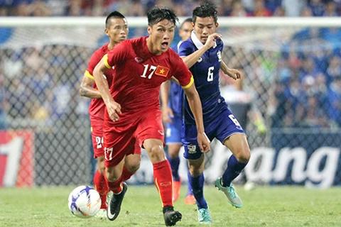 Mạc Hồng Quân trong trận đấu với ĐT Thái Lan