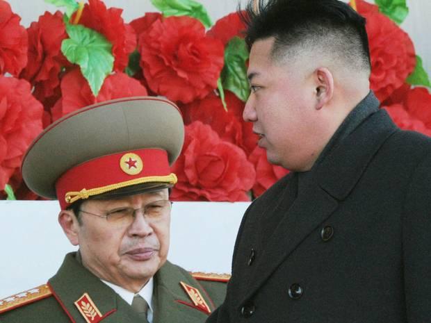 Vụ thanh trừng ông Jang Song Thaek (trái) khiến quan hệ Bắc Kinh-Bình Nhưỡng rạn nứt nghiêm trọng.