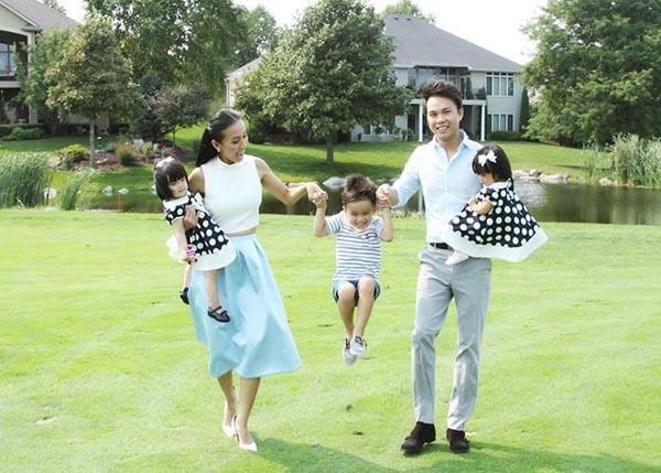 Hình ảnh hiếm hoi của gia đình Huyền Ny.