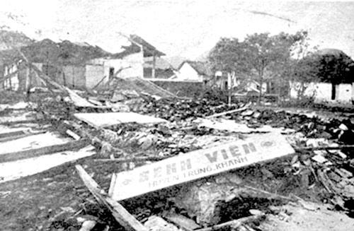 Bệnh viện huyện Trùng Khánh (Cao Bằng) bị quân Trung Quốc tàn phá tháng 2/1979 (Ảnh tư liệu)