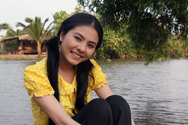 Giống như Lan Ngọc, thành công từ những vai diễn nhẹ nhàng, chất phát đã giúp cho Vân Trang trở thành gái quê chính hiệu của điện ảnh Việt.