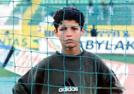 Ronaldo hồi bé.