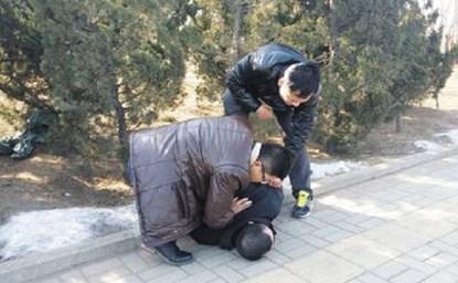 Lưu bị cảnh sát bắt giữ khi vừa mới thực hiện âm mưu cướp vợ