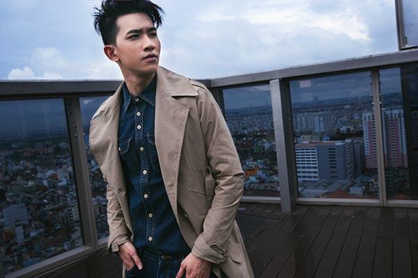 Với định hướng đi theo con đường người mẫu chuyên nghiệp, Võ Cảnh đang là nam thần của làng mốt nhờ việc đắt show chụp hình tạp chí và quảng cáo cho các nhãn hàng.