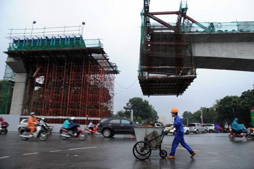 Tai nạn ở tuyến đường sắt trên cao Cát Linh - Hà Đông khiến nhiều người lo ngại chất lượng tàu Trung Quốc