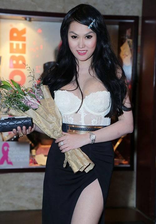 Dù đã sửa soạn rất kỹ lưỡng nhưng Phi Thanh Vân vẫn không thể có được hình ảnh ưng ý khi xuất hiện trên báo.