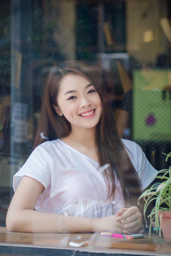 Sau 1 tuần ra mắt single đầu tay, Top 8 Vietnam Idol 2015 tiếp tục phát hành music video cho ca khúc Crush On You.