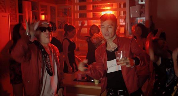 Ngoài nhân vật chính do Khánh Tiên đảm nhận, MV Crush On You còn có sự tham gia của Cường Seven, Mr A, ST. 319.