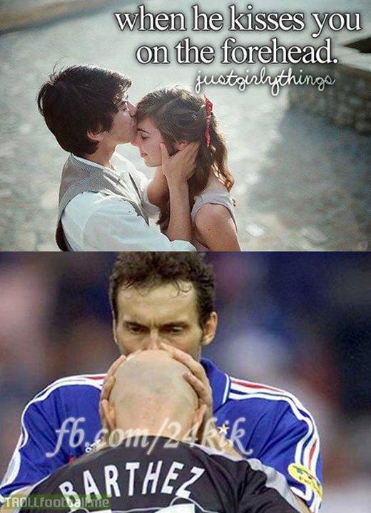 Bạn nhớ nụ hôn này chứ?